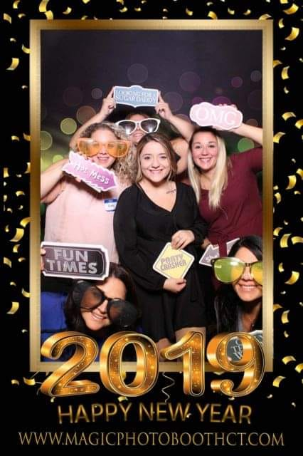 magic mirror photo booth party